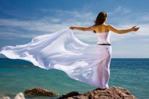 photo-woman-in-breeze-freedom